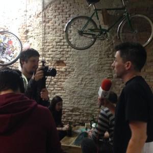 Kilómetros de bicicleta, Canal 33